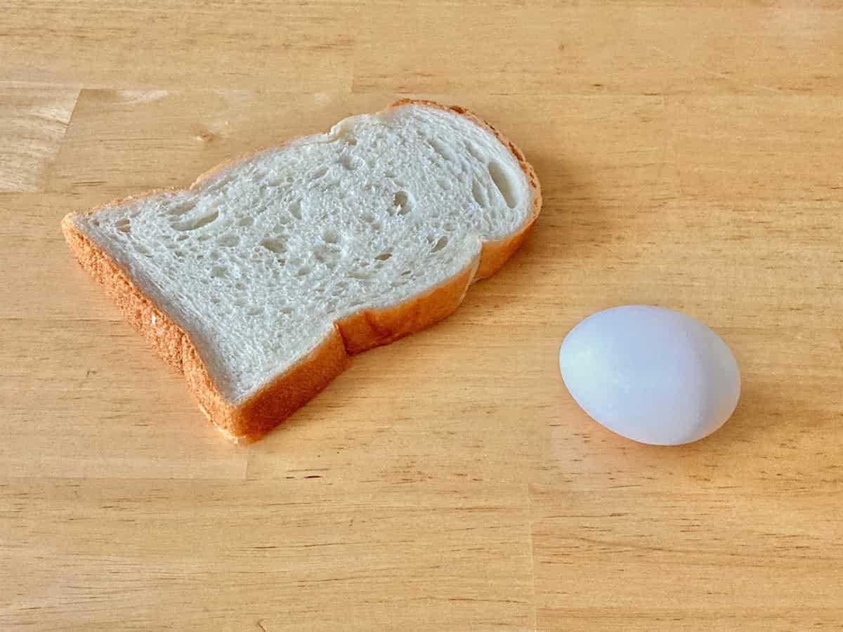家庭課題その2「パンと卵を描こう!」